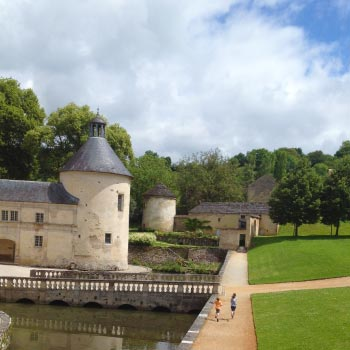 French Holiday Cottages Owners children enjoying Burgundy